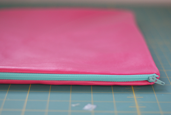 pinkclutch16